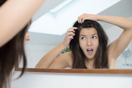 女性の抜け毛