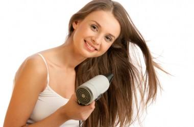 髪のボリュームUPする方法!ボリュームアップに役立つヘアケアやスタイリングの方法もご紹介!