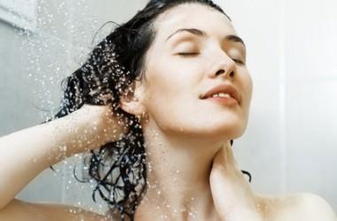 シャンプーのすすぎは洗浄時間の倍?