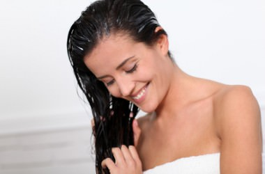 自宅でのヘアカラー後のヘアケア方法