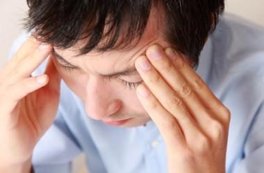 眼精疲労は薄毛や前髪M字ハゲの原因!? 目疲れが回復する5つの方法