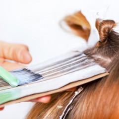 セルフカラーは美容院のカラーより髪を傷めやすい?