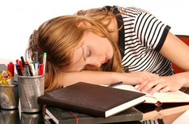 シャンプーしないで寝ると大変なことに!
