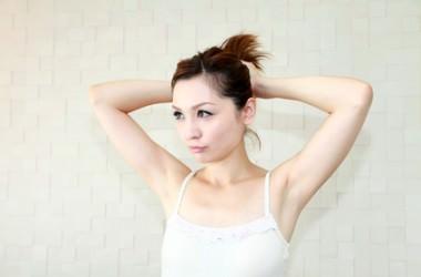 髪を引っ張ることによる影響