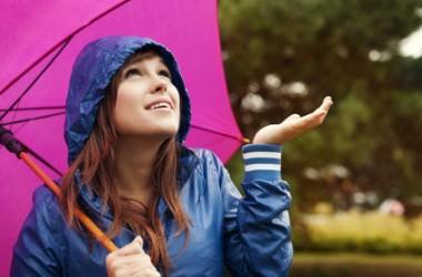 梅雨のうねりに縮毛矯正