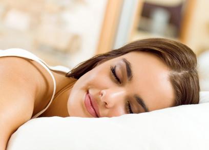 翌朝絡まない。ロングヘアのベストな寝方とは?