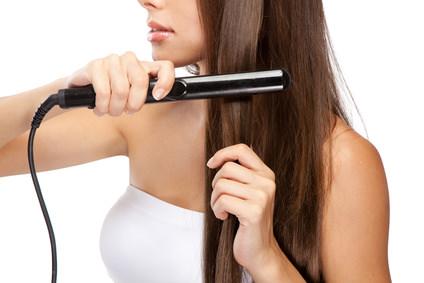 アイロンの使い過ぎ注意!髪が硬くなる!