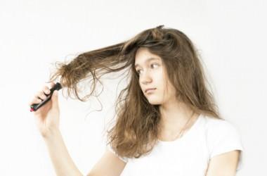 摩擦で首の後ろの髪が絡まる、どうしたらいい?