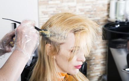 髪 ブリーチ