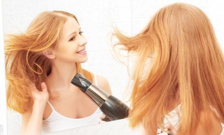 抜け毛を予防するための正しいドライヤー方法