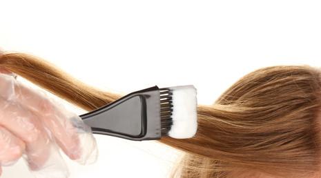 市販の染粉を使うとき、髪が長いから二つ使うというのはあり?