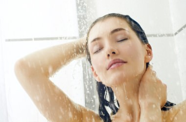 冷水のすすぎによる髪へのダメージ
