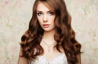 髪色を変えるだけで美肌効果があるって本当?