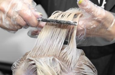 へアマニキュアで染めた髪にヘアカラーできる?