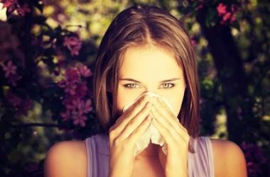 花粉症は髪に悪影響?
