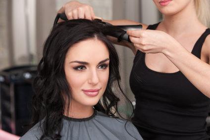 美容院と自宅で行うヘアアイロンの差