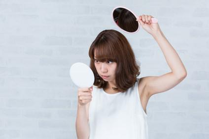 頭皮ニキビが薄毛の原因にもなる