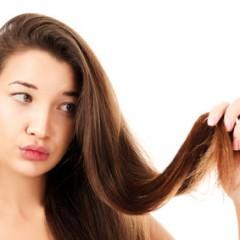 帽子をかぶった後のつぶれた髪の毛を復活させる方法