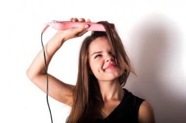 ダメージヘアの原因に!縮毛矯正直後のアイロンは危険