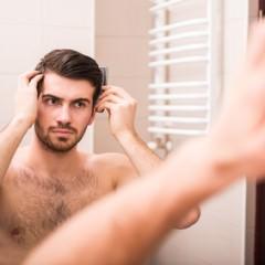 男性の髪が伸びてきた時のセットの仕方と注意することとは?