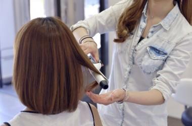 スタイリング剤を付けずに髪を巻くのはNG?