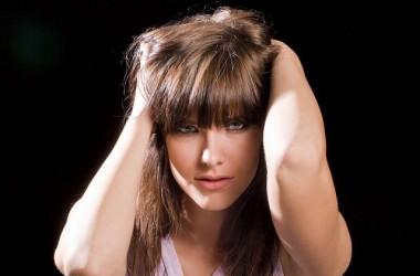 髪の長さで湿気の影響は異なる?