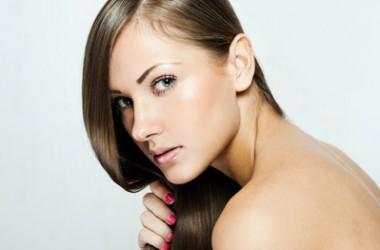 抜け毛・乾燥髪を改善!健康な髪を作る5つの方法