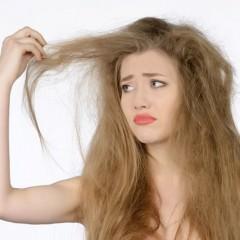 髪が傷むとチリチリになるのは何故??