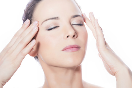 頭皮マッサージで実現する美顔効果
