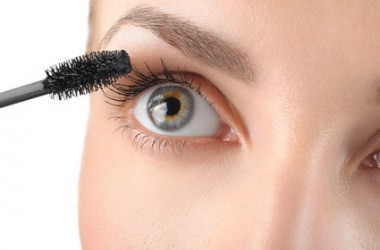 まつげ育毛剤は毛髪にも有効?