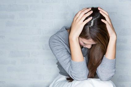 どうにか辞めたい…食毛症の原因と対策