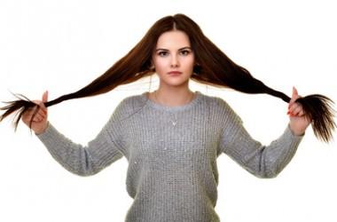 髪質が柔らかくてくせ毛の人は薄毛になりやすい?