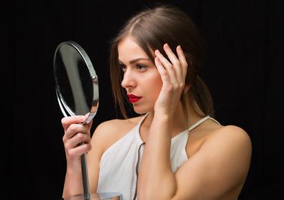 女性ホルモンと抜け毛、頭皮の弾力の関係について