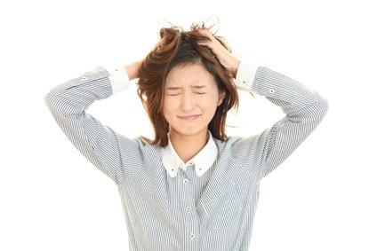 毎日洗髪してもフケが止まらない原因