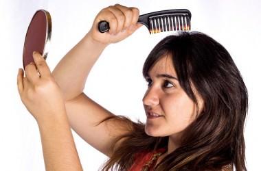 左右で髪の量が違うときの育毛法