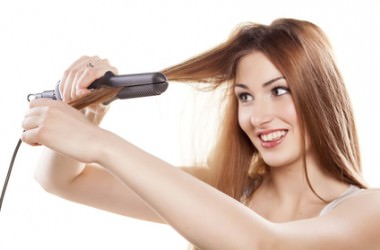 かけにくい後ろ髪のストレートアイロンを上手にかける方法