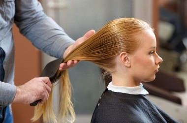 天然パーマで絡まりやすい髪に合った櫛とは?