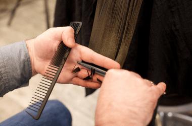 カットした髪の毛の断面はどうなっている?