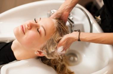 シャンプーが美髪作りの基本。2回洗いはする?しない?
