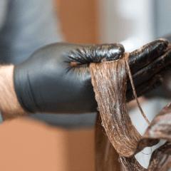 カラーやパーマによる髪への影響とその対策