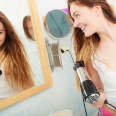ドライヤーによる髪への影響と対策