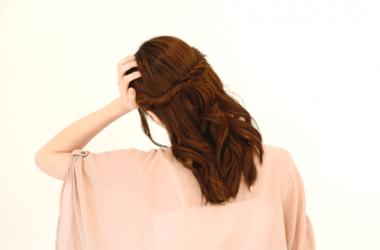 頭皮も老化する?年齢と共に髪が変化する原因とは