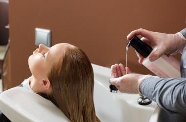 トリートメントをする際に髪の水気を取るのはなぜ?