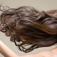 美髪を保つためにはシルクが一番!?髪にいい枕カバーの素材とは