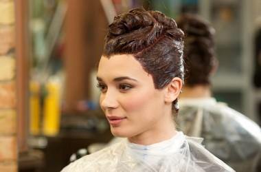 年齢によってヘアカラーの出方は変わる?