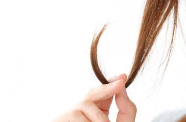 髪の毛が急に細くなる原因とは?