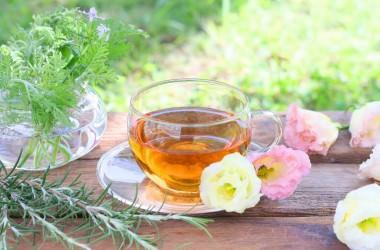 苦いセンブリ茶は胃腸や髪の毛に良い!