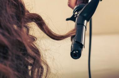 巻き髪が持続するコテとそうでないものの違いとは?