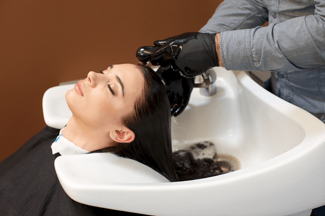 美容室のヘッドスパと専門店の違いとは?