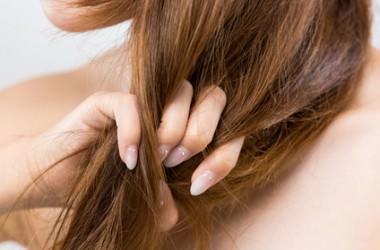 髪の毛が弱っていく…「軟毛化」って何?